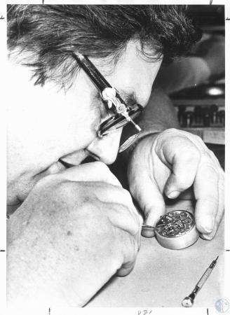 Image: di20379 - Ed Schulz - fixing watch