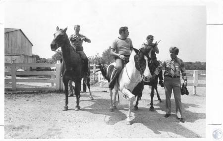 Image: di20405 - From left - M. Steffen, Cincinnati Police Officer, J.L. Croweder, another Cincinnati police officer