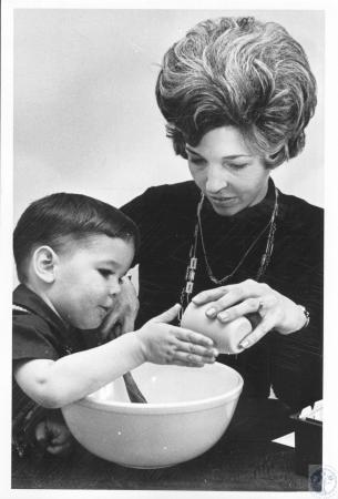 Image: di20721 - Mrs. Charles Stephens and son David