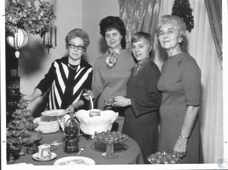 Image: di20729 - Mrs. Earl Stivers, Mrs. Leo Oppenheimer, Mrs. Thomas McCay, Mrs. Isabelle Kinney