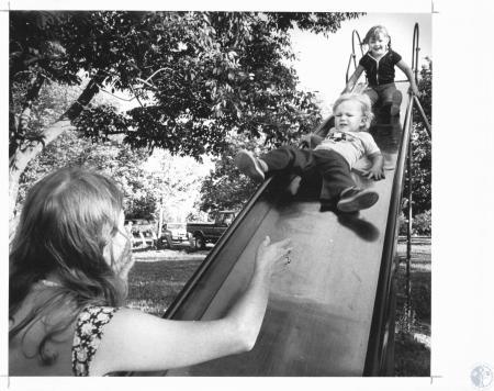 Image: di20945 - Mrs. Michael Spicer, Erik (2) and Heidi (6) at Devou Park