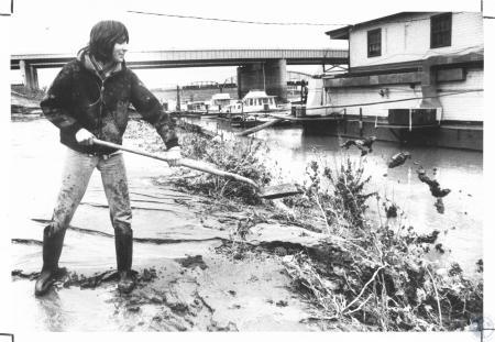 Image: di21594 - Randy Young (16) shoveling off driveway at Tri-City Yacht Club