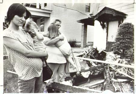 Image: di24191 - Family burned out of home at 121 E 40th Street - Charlene Dietz (23), Ray Dietz Jr.(10 months), Mother-in-law....