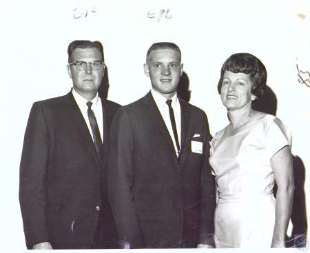 Image: di27247 - Joseph Dringenburg, Rick Dringenburg, Mrs. Joseph Dringenburg