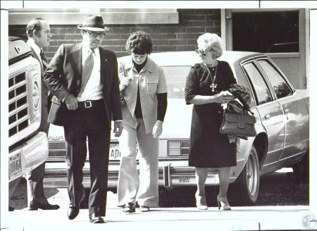 Image: di29483 - Jury walking into courthouse coming from Burlington Baptist Church (Eugene Gall case)