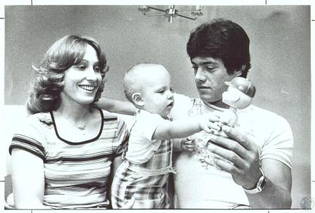 Image: di30241 - Cincinnati Reds pitcher Doug Capilla with wife Lesley and their daughter Courtney (11 months)