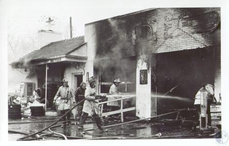 Image: di33936 - Fire at Union 76 Station - Dixie Highway and Buttermilk Pike