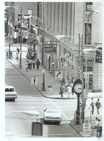 Image: di34374 - Madison and Pike, shot from store roof