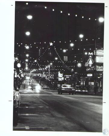 Image: di34392 - Night shot of Madison Ave with Christmas lights