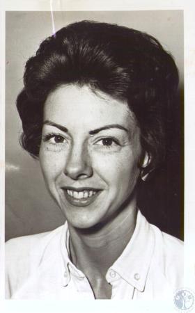 Image: di35764 - Mrs. Louise Crain