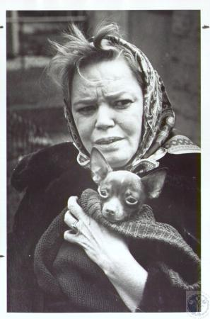 Image: di36577 - Mrs. Norma Mitchell (45) rescued her dog