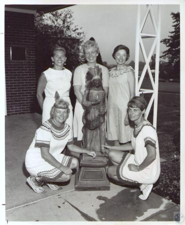 Image: di37098 - (front) Sis Bell and Alice Pille. (Standing) Martha Houliston, Myrna Janning, Holly Zik