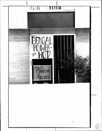 Image: di38793 - Bengals sign in window on Penwood