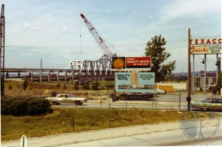 Image: di39297 - Construction site of Quality Court Motel, I-75 and W. 5th Street