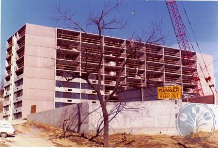 Image: di39303 - Construction of Hathway Apartment building, Looking northwest from Highway avenue