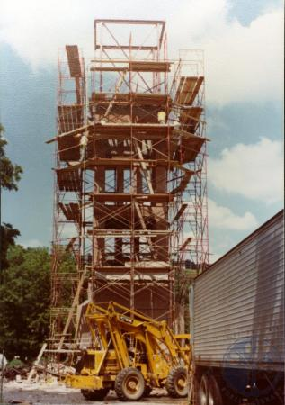 Image: di39327 - Construction of the Carroll chimes bell tower, Goebel Park