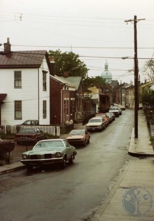 Image: di39441 - Looking east on Pershing from Main Street
