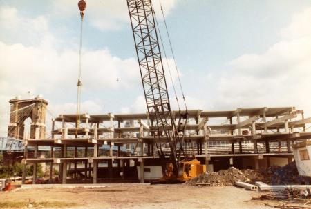 Image: di39820 - Construction of Riverside Terrace, southeast corner of Greenup and Riverside