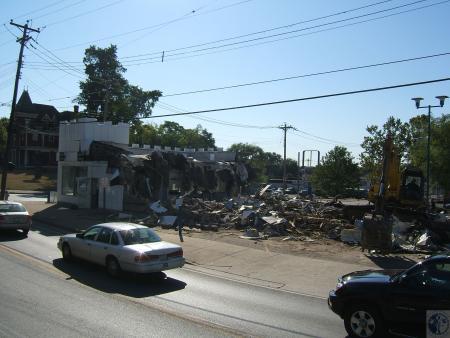 Image: di40311 - demolition of White Castle