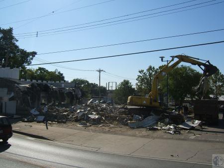Image: di40312 - demolition of White Castle