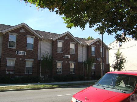 Image: di40338 - newer construction, 200 block East 12th Street