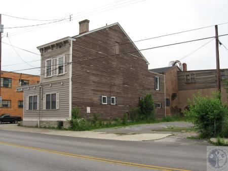 Image: di40498 - 321 West 12th Street and vacant lot