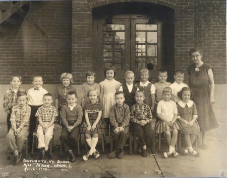 Image: di40668 - Southgate School, 1st grade