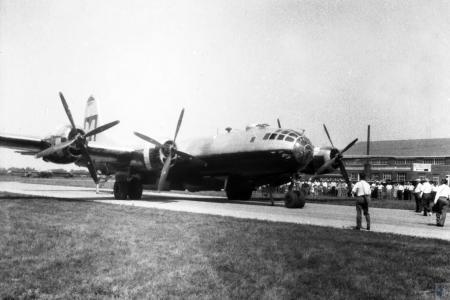 Image: di43981 - air show - B-29 Superfortress