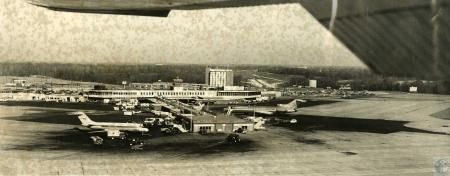Image: di44343 - aerial view of airport