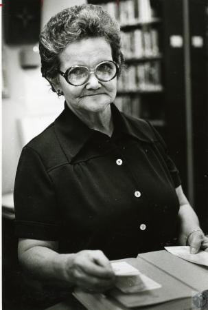 Image: di46780 - Mrs. Othelia Moore, librarian at Pendleton County Library
