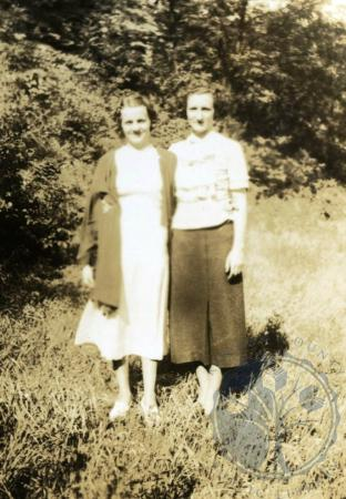 Image: di48994 - Mary Schroder and unidentified friend
