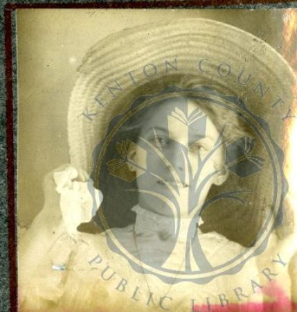 Image: di49890 - Unidentified woman with straw hat