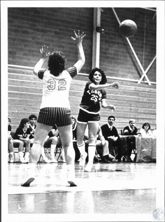 Image: di53945 - Girls High School basketball game, Silver Grove vs.?