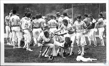 Image: di54153 - Newport Catholic High School Baseball Team