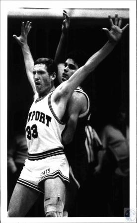 Image: di54202 - High School basketball game Newport and ?