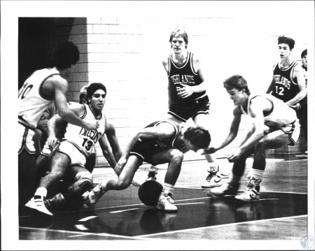 Image: di54229 - Boys High School Basketball, Highlands vs Newport Central Catholic