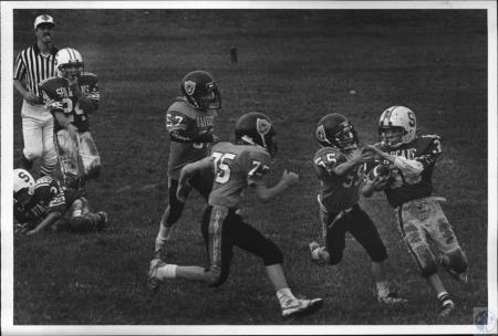 Image: di54236 - Youth league football, Raiders vs Spartans