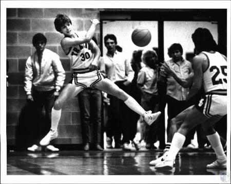 Image: di54336 - Boys High School Basketball player from Silver Grove High School