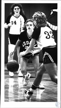 Image: di54363 - Girls High School Basketball game, Ludlow vs Holy Cross