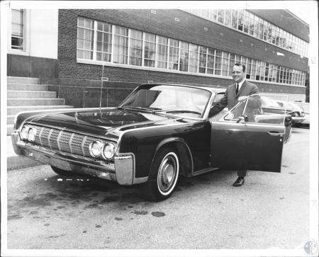 Image: di57055 - Governor Edward T. Breathitt in the 1964 Lincoln Continental leased for him from a Cincinnati firm at....