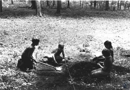 Image: di57912 - Diggin for Civil War artifacts in Devou Park