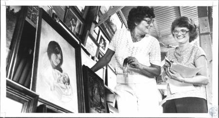 Image: di62126 - Anneliese Wahienburg (65) has studio and teaches art, judges show at Kenton County Fair. Bert Howard,....