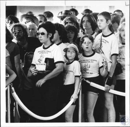Image: di63944 - Covington studnts at World's Fair.