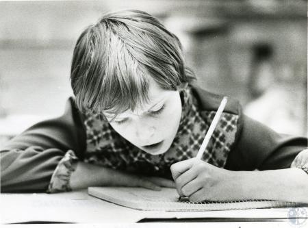 Image: di67142 - Laura Warrington (11), 5th grade A.M. Yealey School