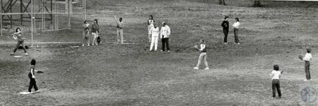Image: di69263 - Unknown (Girls/women's softball practice)