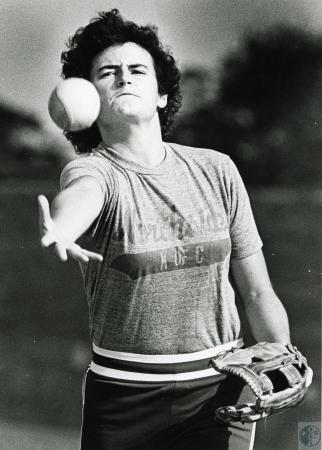 Image: di70226 - Unknown femal softball pitcher