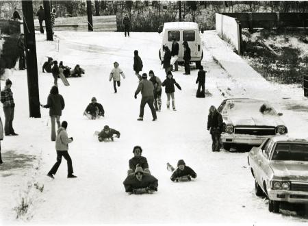 Image: di72007 - Unknown children sledding down