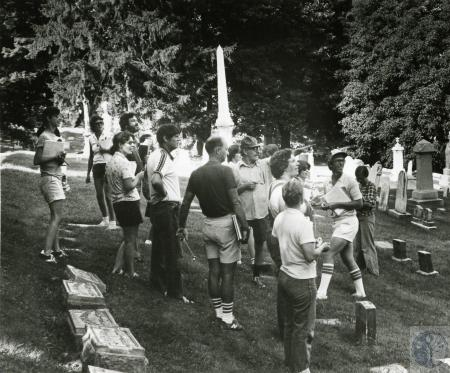 Image: di73278 - Unidentified group at unknown cememtary