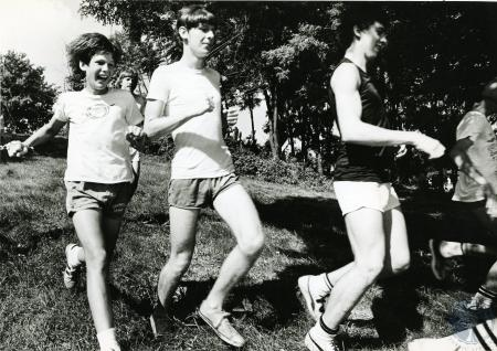 Image: di75203 - Unknown Cross-Country runners