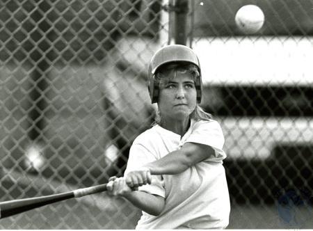 Image: di75991 - Unidentified softball player